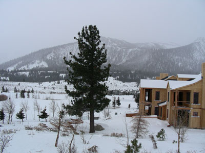 lots of new condos and houses being built at Mammoth Mountain